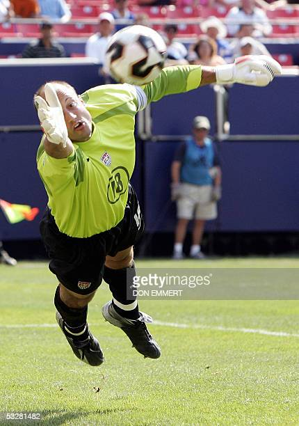 US goalkeeper Kasey Keller stops a shot in regulation time against Panama during the CONCACAF Gold Cup final 24 July 2005 at Giants Stadium in East...