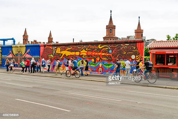 east side gallery - berlin wall stock pictures, royalty-free photos & images