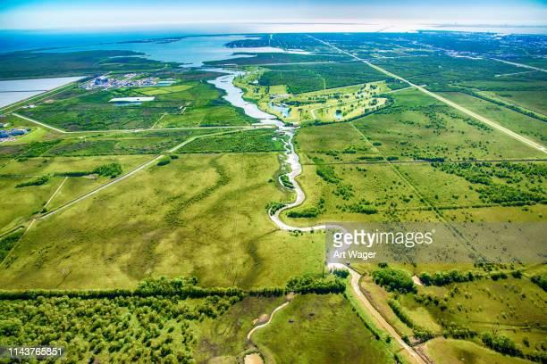 ouest du texas rural paysage aérien - houston texas photos et images de collection