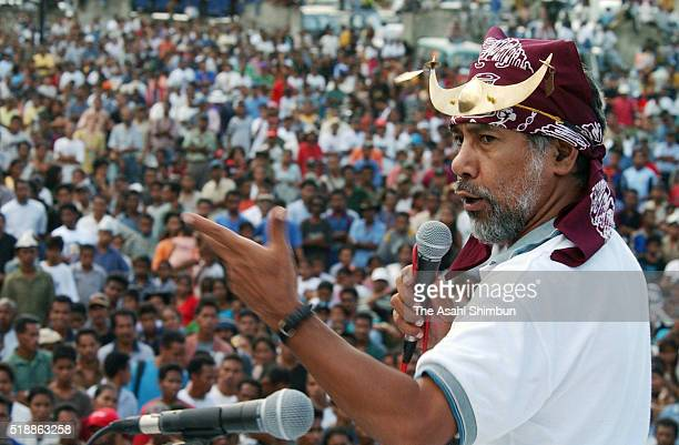 East Timorese independence leader Xanana Gusmao addresses during his presidential election campaign on April 12 2002 in Dili East Timor
