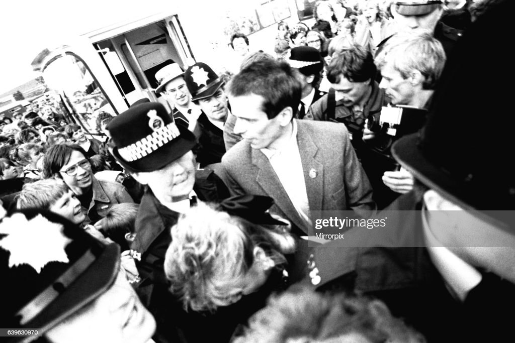 Eastenders stars Tom Watt and Letitia Dean, aka Lofty and Sharon, were mobbed by thousands of cheering fans as they arrived at Herrington Burn YMCA Gala on Wearside 7 June 1987 : News Photo