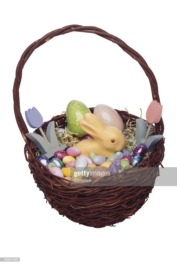 Easter basket filled with an assortment of candy : Stockfoto