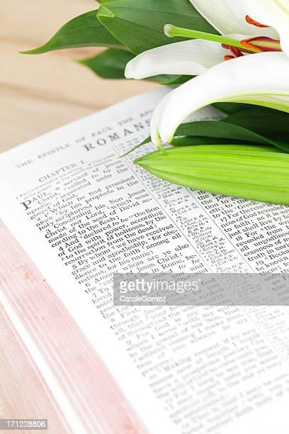 pasqua bibbia scripture - domenica di pasqua foto e immagini stock