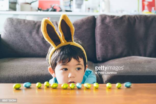 easter bunny - easter egg stock pictures, royalty-free photos & images