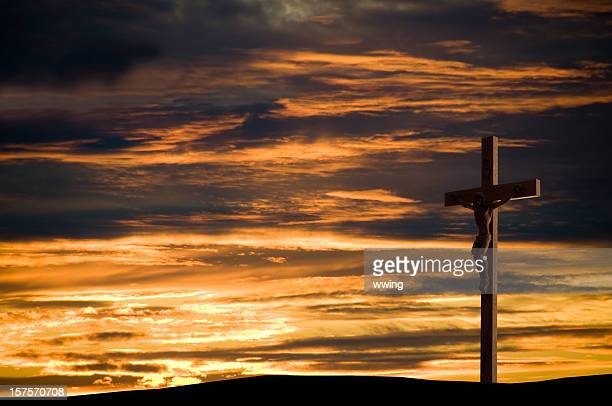 easter crucifix - images of jesus on the cross at calvary stock pictures, royalty-free photos & images