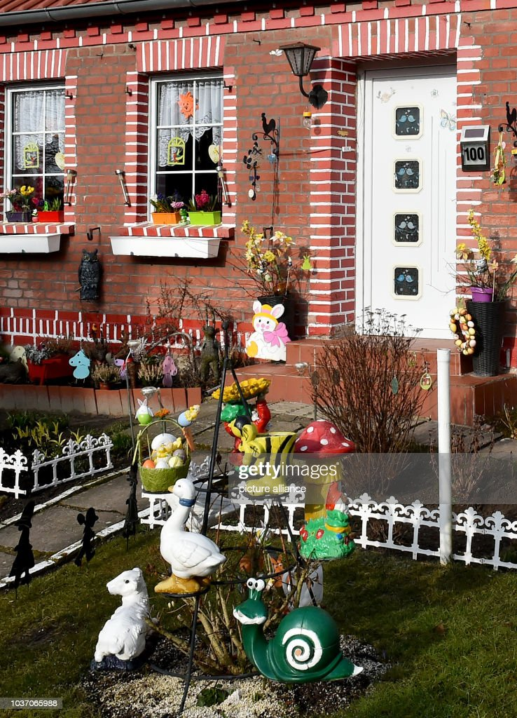 Easter Decorations Can Be Seen In A Front Yard In Dahlhausen