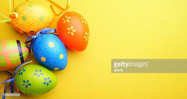 easter eggs with copy space - easter egg stock pictures, royalty-free photos & images