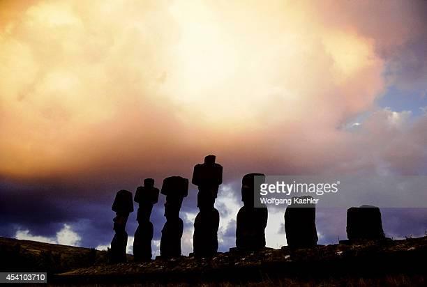 Easter Island Anakena Beachahu Naunaumoai Statues Silhouet Ted At Sunrise
