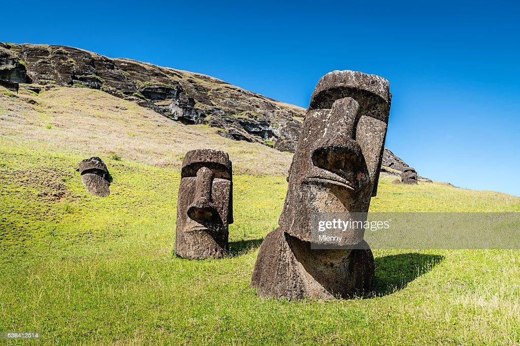 Easter Island Statues Rano Raraku Moais Rapa Nui : Stock-Foto