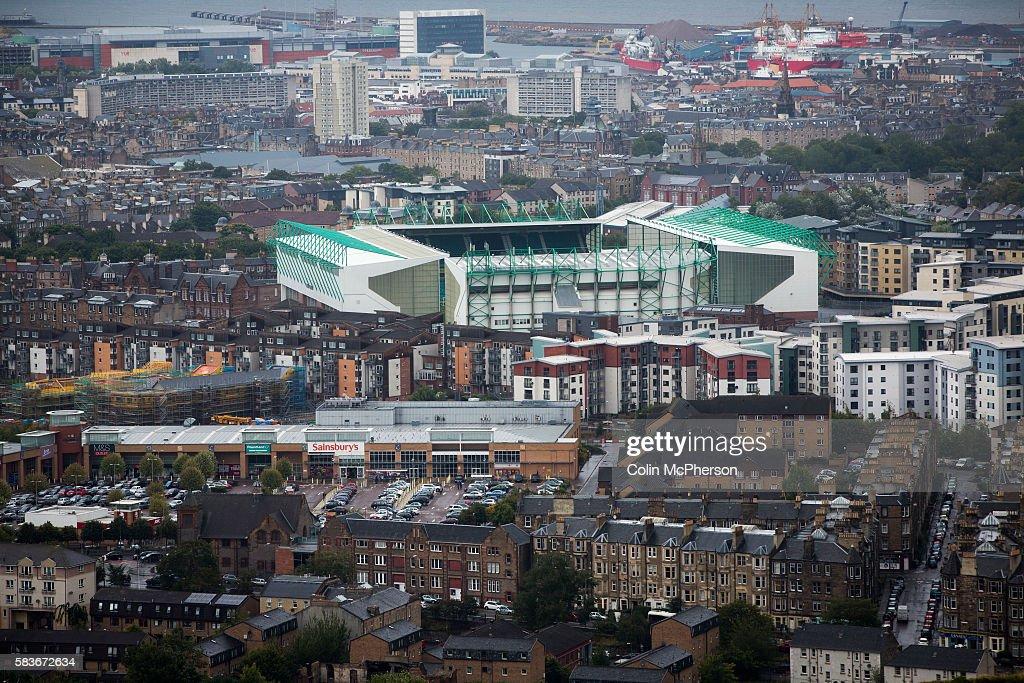 UK - Edinburgh - Hibernian Versus Alloa Athletic Football Match : News Photo
