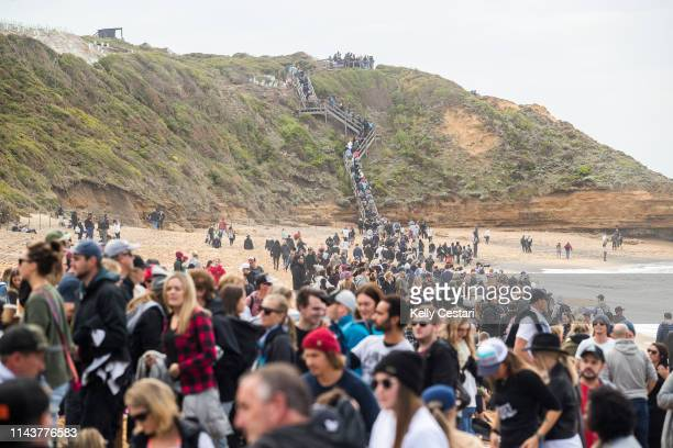 Easter Sunday proved to be an excellent day to gather at the Rip Curl Pro Bells Beach and watch some high performnce surfing