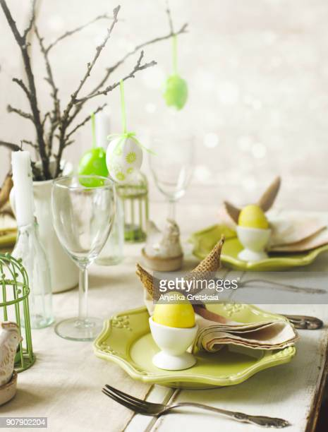 Easter table setting. Easter dinner