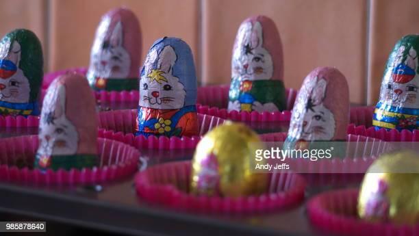 easter treats - candy dolls fotografías e imágenes de stock