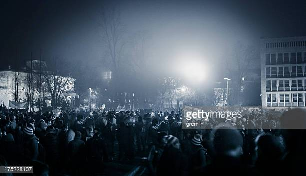 eastern european anti government demonstrations - protest stockfoto's en -beelden