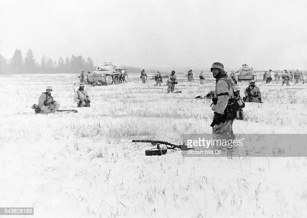 2WW eastern front war theatersoviet attack opeations in the sector Welikije Luki /Rshew Southeast of Toropez German tanbks and grendiers in the open...