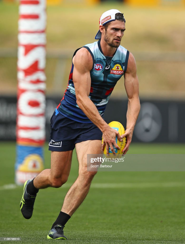 AUS: AFL Western Bulldogs Training Session