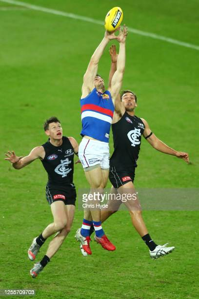 Easton Wood of the Bulldogs takes a mark during the round 6 AFL match between the Carlton Blues and the Western Bulldogs at Metricon Stadium on July...