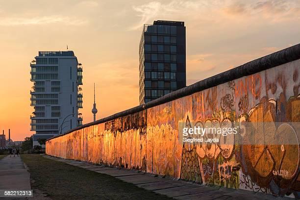 eastside gallery - berlin - fotografias e filmes do acervo