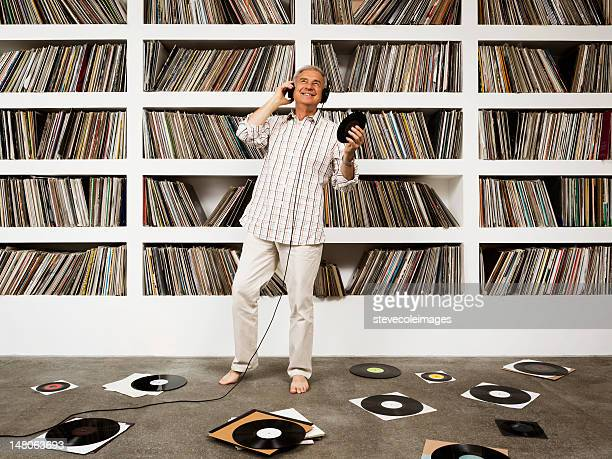 easy listening to vinyl records - collection stock pictures, royalty-free photos & images