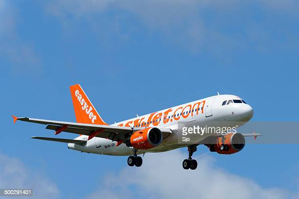 easyjet airplane - easyjet stock pictures, royalty-free photos & images