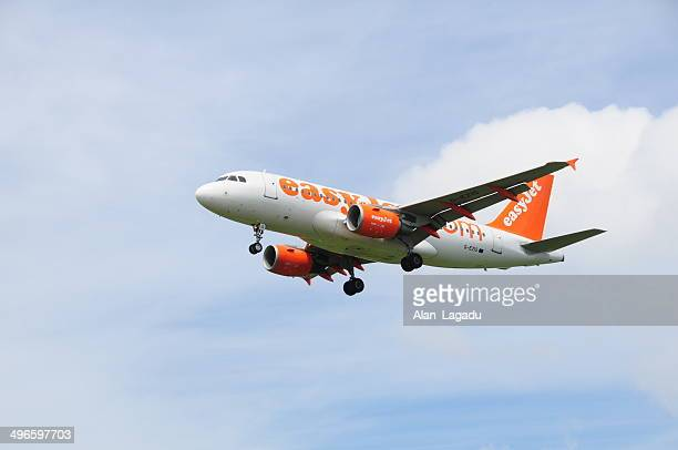 easyjet, u.k. - easyjet stock pictures, royalty-free photos & images