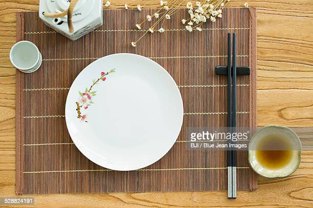 Eating and drinking utensils