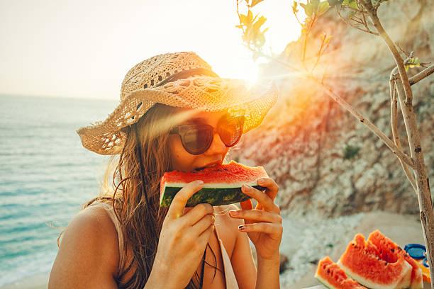 उन्हाळ्यात कलिंगड खा आणि आजारांना दूर पळवा