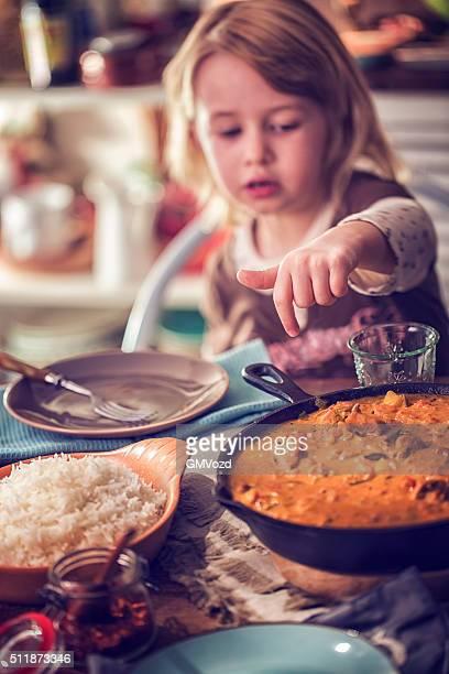 Essen köstliche hausgemachte Hähnchen-Curry-Gericht mit Reis