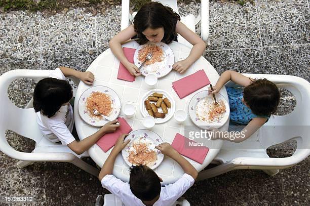 屋外でのお食事