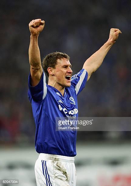 Ebbe Sand of Schalke celebrates victory at the end of The Bundesliga match between FC Schalke 04 and SV Werder Bremen at The Arena Auf Schalke on...