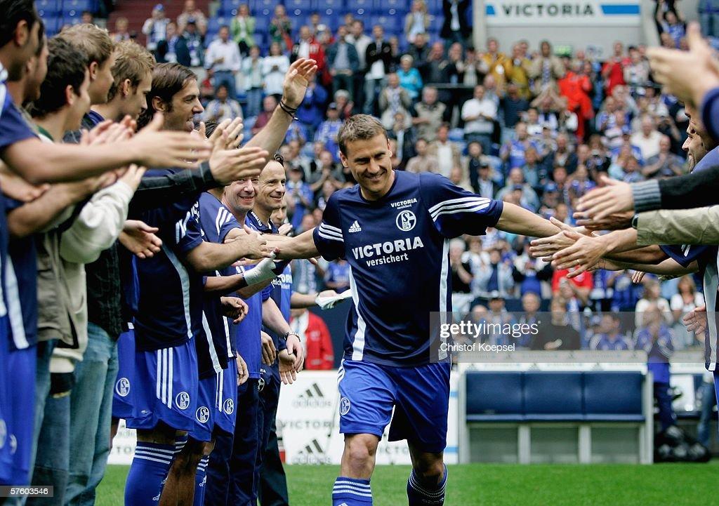 Schalke 04 v VFB Stuttgart : News Photo