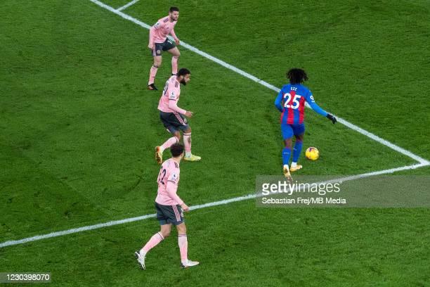 Eberechi Eze of Crystal Palace control ball around Ethan Ampadu, Jayden Bogle, Oliver Norwood of Sheffield United during the Premier League match...
