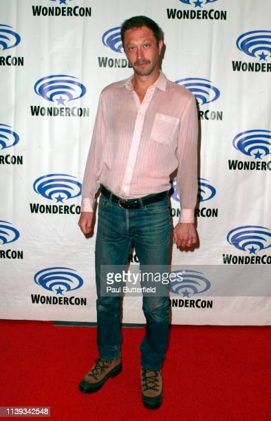 Ebon Moss-Bachrach attends the 'NOS4A2' press line during WonderCon 2019 at Anaheim Convention Center on March 30, 2019 in Anaheim, California.