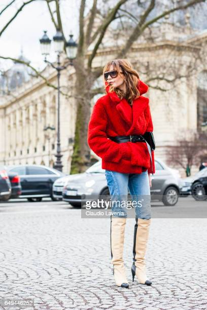 Ece Sukan is seen in the streets of Paris before the Chanel show during Paris Fashion Week Womenswear Fall/Winter 2017/2018 on March 7 2017 in Paris...