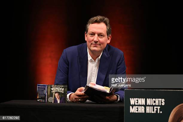 Eckart von Hirschhausen attends a reading during the lit Cologne at `WDR Funkhaus´ on October 22 2016 in Cologne Germany