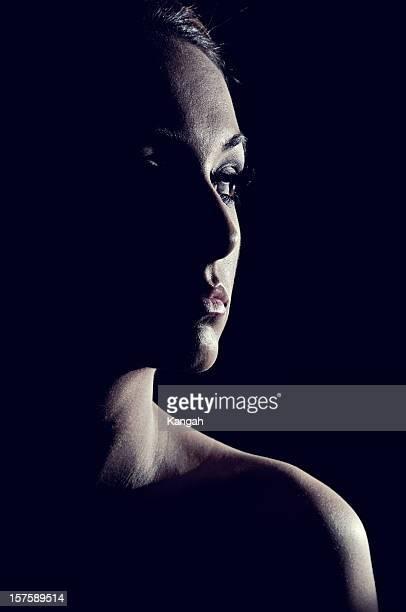 eclipse feminino - low key - fotografias e filmes do acervo