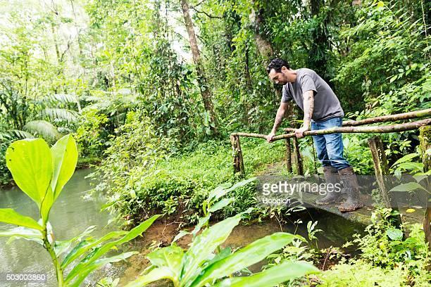 Öko-Touristen erkunden Costa Rica Regenwald-Dschungel-Reiseziele