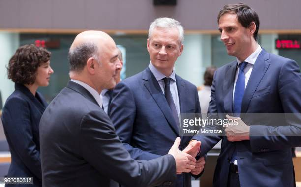 Economic and Financial Affairs Taxation and Customs Commissioner Pierre Moscovici is talking with the French Minister of the Economy Bruno Le Maire...