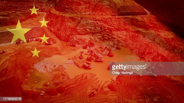 economic and financial crisis has hit china industrial production and mining hard due to the coronavirus covid19 epidemic. world economies are edging towards recession and full depression as prices and performance crashes - 株価暴落 ストックフォトと画像
