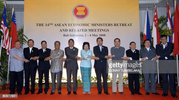 Economic Ministers from the Association of Southeast Asian Nations including Pehin Dato Seri Selia Lim Jok Seng of Brunei Cham Prasidh of Cambodia...