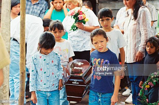 Economical crisis in Argentina increases the country's drama Argentinians mourn the death of children dying of malnutrition in the Tucuman province...