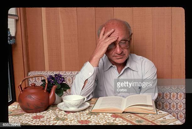 Economist Milton Friedman Reading