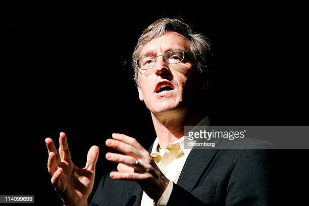 Economist Steven Levitt speaks during the SkyBridge Alternatives conference in Las Vegas Nevada US on Wednesday May 11 2011 Speakers and attendees...