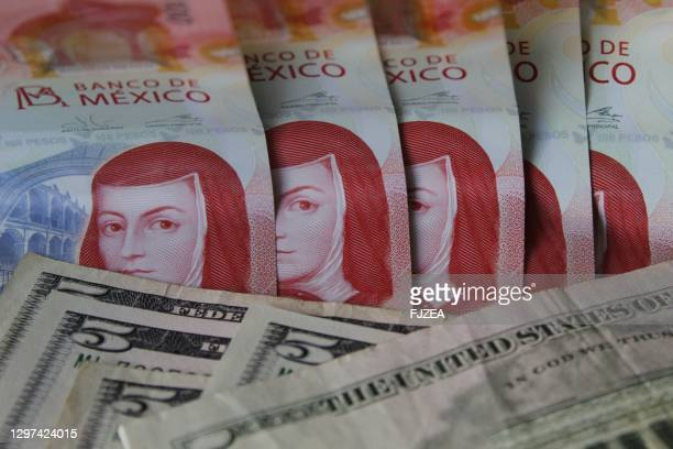 mexican banknotes pesos american five dollars
