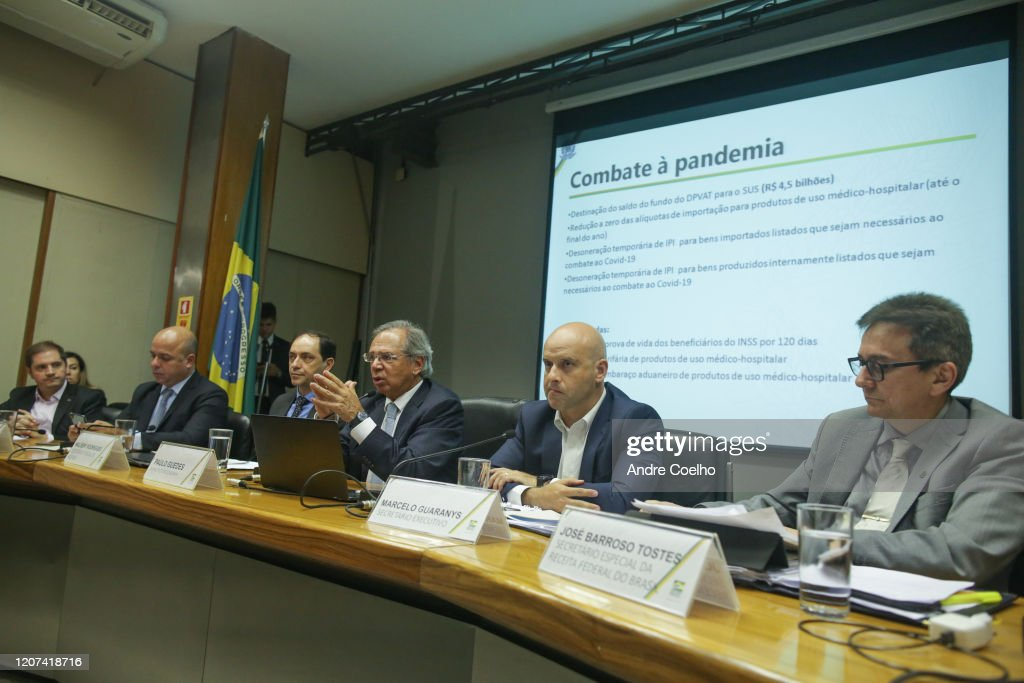 Brazil Economy Minister Paulo Guedes Holds a Press Conference to Announce Economic Measures Due to the Coronavirus (COVID-19) : News Photo
