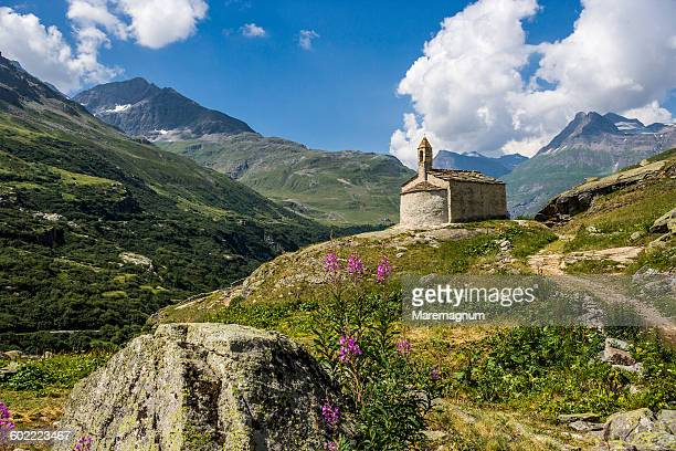 l'ecot, the small church - savoie stock pictures, royalty-free photos & images