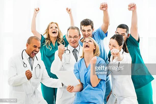 Verzückt Gruppe von Ärzten angewandt wurde.