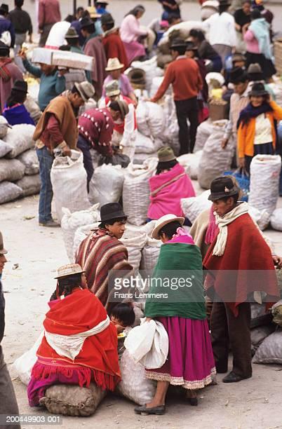 Ecuador, Azuay Province, Cuenca, people at market