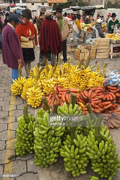 Ecuador, Zumbahua, fruit market