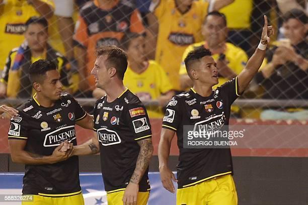 Ecuadorean Barcelona's Washington Vera celebrates his goal against Zamora from Venezuela during their 2016 Copa Sudamericana football match at...